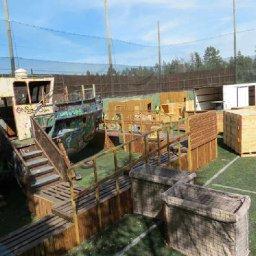 Walk-in pikkujoulupelit Juvanmalmin ulkokentällä Espoossa